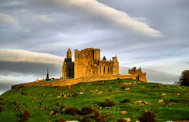 THE THE ROCK, OF CASHEL, TIPPERARY, IRELAND